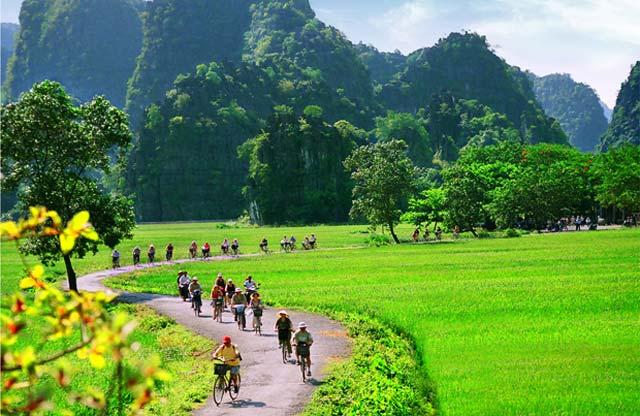 Хойд Вьетнамын Аялал